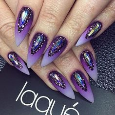 Diy Nail Designs Halloween Nail Design May 2020 Purple Stiletto Nails, Purple Ombre Nails, Purple Manicure, Yellow Nails, Gorgeous Nails, Love Nails, Pretty Nails, Purple Nail Designs, Diy Nail Designs