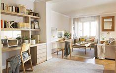 Hechos a medida y disimulados, consiguen mantener el orden en una casa donde viven cinco personas. Confort, orden, luz y espacios comunicados.