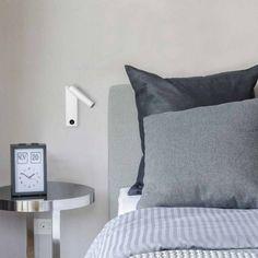 Aplique de pared Manhattan con iluminación LED integrada especialmente indicada para utilizarse como luz auxiliar en el dormitorio. Tres acabados a elegir: níquel, negro o blanco.