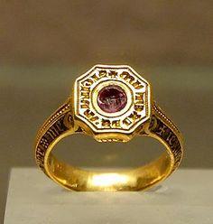 Edward the Black Prince (1330-1376)  signet ring. Louvre