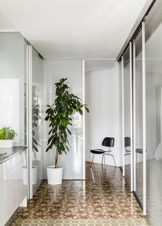 Barcelona apartment renovation by Narch revealing mosaic floors Apartment Renovation, Apartment Interior, Interior Architecture, Interior And Exterior, Interior Design, Contemporary Architecture, Condominium Interior, Barcelona Apartment, Sliding Glass Door