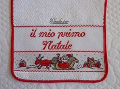 Bavaglino per Giovanni_Il mio primo Natale_2 - Dall'album di Claudia.iaia Baby Cards, Cross Stitching, Christmas Decorations, Christian, Cross Stitch Angels, Home, Cross Stitch, Xmas, Embroidery