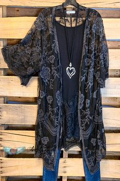Boho Fashion Meaning .Boho Fashion Meaning Boho Outfits, Stylish Outfits, Cute Outfits, Fashion Outfits, Fashion Tips, Fashion Trends, Fashion Essentials, Grunge Outfits, Hijab Fashion