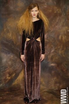 Tia Cibani Pre-Fall 2015 Evoking the secessionist art movement — particularly Gustav Klimt and his muses — Tia Cibani's lush pre-fall lineup demonstrated her knack for exotic textures.