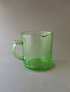 Green Glass, Glass Measuring Cup, Depression Glass, Hazel Atlas Glassware, Vintage Glassware, One Cup, 3 Spouts, Depression Era Glass    This was