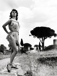 Strange Sophia Loren Retro And Coqueteis On Pinterest Short Hairstyles For Black Women Fulllsitofus