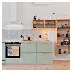 40 Top Inspiring Scandinavian Kitchen Shelves Ideas - Page 3 of 40 Kitchen Interior, Kitchen Decor, Mint Kitchen, Kitchen Ideas, Pastel Kitchen, Küchen Design, House Design, Design Ideas, Scandinavian Kitchen