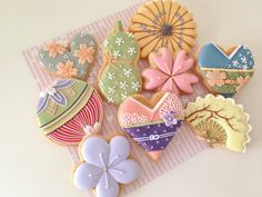 日本人のおやつ♫(^ω^) Japanese Sweets 和風モチーフクッキー。beautiful japanese motif cookies Galletas Cookies, Cute Cookies, Cupcake Cookies, Sugar Cookies, Kawaii Cookies, Japanese Cookies, Japanese Sweets, Japanese Food, Iced Biscuits