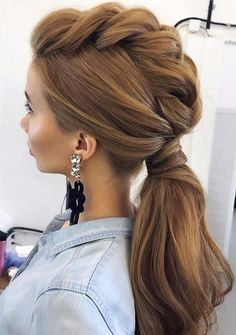 Perfect Bridesmaids & Wedding Hairstyles for 2018. Looking for best styles of wedding and bridal haircuts? Don't worry at all, see here the top ideas of wedding hairstyles and bridesmaid styles to wear in year 2018. If you are recently searching for best haircuts for your big day then must visit here to see the elegant styles of haircuts to show off in 2018. #weddinghairstyles