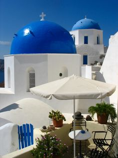 Greek Islands, Santorini from www.lilmisskiwi.blogspot.com