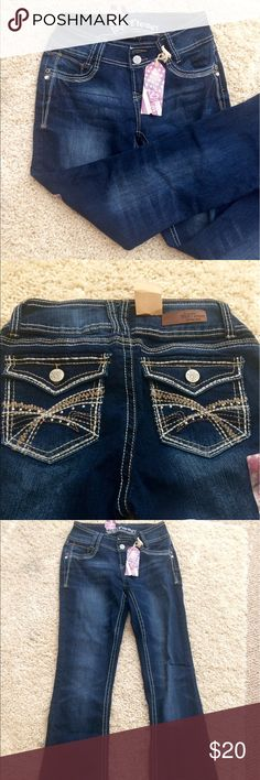 NWT Wallflower jeans 👖 Luscious Curvy Bootcut jeans Wallflower Jeans Boot Cut