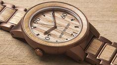 ウイスキーの樽材とステンレス鋼を組み合わせたスタイリッシュな腕時計「The Barrel」