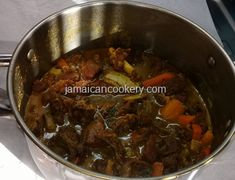 Curry beef Jamaican style, gone are the days when fish is only eaten during the Easter season in Jamaica. The prices of fish are too expensive during this time of the year Jamaican Soup, Jamaican Beef Patties, Jamaican Recipes, Jamaican Hard Dough Bread Recipe, Jamaican Saltfish Fritters Recipe, Chicken Foot Soup Recipe, Trotters Recipe, Carrot Cake Topping, How To Make Curry