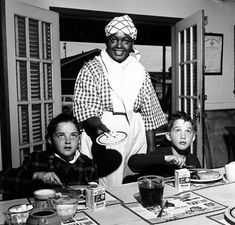 Aunt Jemima: It was Never About the Pancakes - BlackExcellence.com - Medium Anna Robinson, Aunt Jemima Pancakes, Minstrel Show, Feel Good Stories, How To Make Pancakes, Social Injustice, Set Me Free, Feminist Art, Poses For Pictures