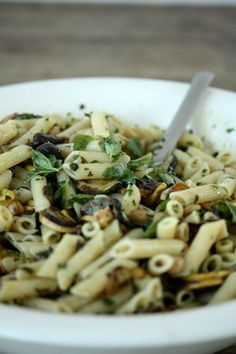 Easy Summer Cold Penne Pasta Salad Recipe with Zucchini, Olives, Chickpeas and Parsley | Greek | Gluten Free