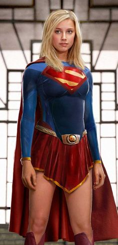 Because every cosplay Supergirl should look at least as classical as this darling does.