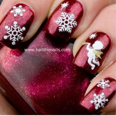 Sparkly Christmas Nail Art