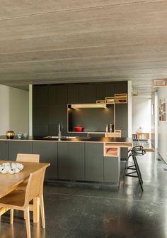 keuken zwart houtaccent