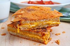 caramelized grilled cheese. yes, indeed, the cheese that gets all melty outside the sandwich is the best part of a grilled cheese!