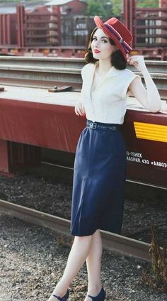 ♥ this look from the ModCloth Style Gallery! Cutest community ever. … ♥ this look from the ModCloth Style Gallery! Cutest community ever. Modern 50s Fashion, 1940s Fashion, Look Fashion, Trendy Fashion, Womens Fashion, Fashion Trends, Classy Fashion, Fashion Vintage, 1940s Inspired Fashion