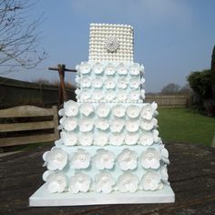 Flowers and Pearls Wedding Cake