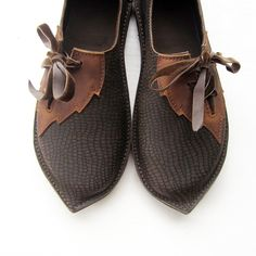 CUSTOM Leather Handmade bohemian fairy tale shoes, PYRAMUS Elven by Fairysteps. £134.00, via Etsy.  See the creators website here:  http://www.etsy.com/shop/Fairysteps?ref=seller_info