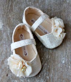Baby Girl Shoes Toddler Girl Shoes Soft Soled por BitsyBlossom