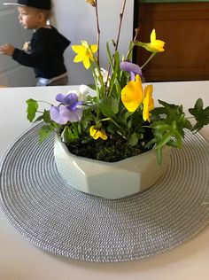 Easy Easter Arrangement