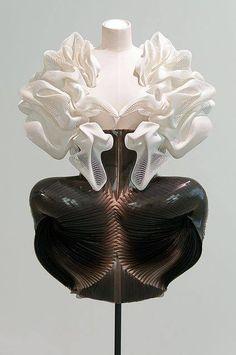Iris Van Herpen :: Cocoon