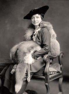 1900's hat