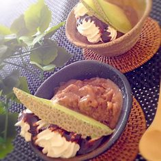 たくさん買ったバナナ‼ このアイスクリーム作りたかったのも忘れて⁈ フツ〜に食べてしまって あっと言う間にラスト2本Σ( ̄。 ̄ノ)ノ ギリギリ確保やし( ̄^ ̄)ゞ やばかった(笑) - 179件のもぐもぐ - リーチさんの完熟バナナでチョコバナナアイス( ´ ▽ ` )ノ by kumonSasa