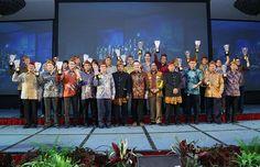 Di Bandung, Residence Indonesia Gelar Malam Penganugerahan 2014 | 31/10/2014 | Dalam malam penghargaan, Residence Indonesia memberikan 34 awardBertepatan di Hari Sumpah Pemuda (28 Oktober) yang diperingati bangsa Indonesia. Kali pertama, Majalah Residence Indonesia menggelar penganugerahan ... http://news.propertidata.com/di-bandung-residence-indonesia-gelar-malam-penganugerahan-2014/ #properti #apartemen #hotel #bandung #kondotel