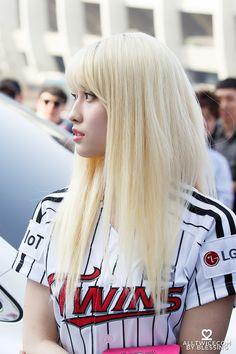 dedicated to female kpop idols. Little Peach, Popular Tags, Hirai Momo, Kpop Girls, Girl Group, Cute Babies, Punk, T Shirts For Women, Female