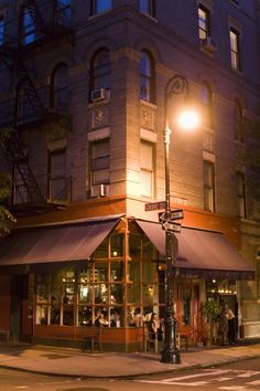 NYC. The Little Owl, 90 Bedford St.