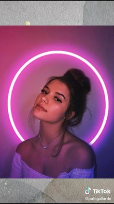 Creative Instagram Photo Ideas, Instagram Photo Editing, Photo Editing Vsco, Insta Photo Ideas, Self Photography, Model Poses Photography, Creative Portrait Photography, Tumblr Photography, Photography Filters