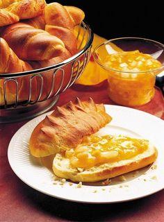 Oslaďte si život: TOP 40 receptů na skvělé džemy! - Grafiky - Žena.cz Jam And Jelly, Snack Recipes, Snacks, Homesteading, Camembert Cheese, Grid, French Toast, Survival, Chips