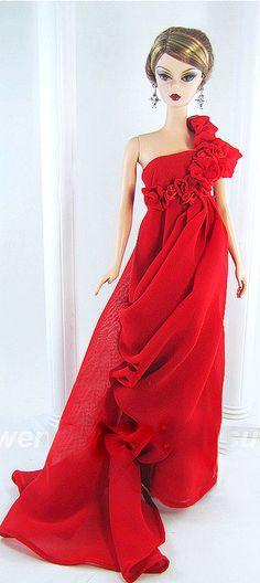 Barbie de vestido vermelho festa.