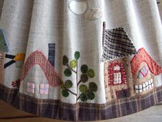 Mi pequeño mundo Patchwork: PANTALLA LAMPARA DE TOSHIKO MATSOU Wool Applique Quilts, House Quilts, Shabby, Lampshades, Christmas Stockings, Sewing Projects, Patches, Clothes For Women, Crafts