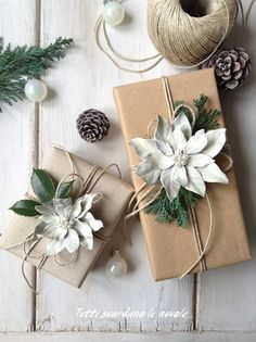 Make a poinsettia with dry leaves to use to decorate gift packages, as a placeholder, and in many other ways.