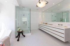 Chris Hemsworth And Elsa Pataky Malibu Home-Master Bathroom