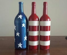 Fourth of July wine bottles! - Crafting Now #winebottlecrafts
