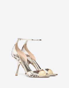 f2d33f2b142 4513 Best shoes Valentino images in 2019