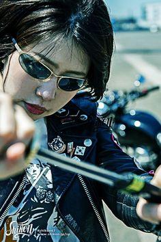 "Rock'n'Roll T-shirt designed with Shikon's character ""Samurai girl"" . #rock #ロック #tshirt #Tシャツ #rck'nroll #ロックンロール #teeshirt #shikon67 #rockandroll #ロカビリー #tees #rockabilly #バイク #motorcycle #オートバイ #bike #カフェレーサー #caferacer #ビンテージ #vintage #rockabella Harajuku Japan, Asian Woman, With, Pin Badges, Celebrities, Lady, T Shirt, Supreme T Shirt, Celebs"