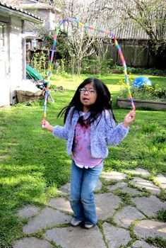 Mama's Little Muse: DIY Jump rope: Made from Marker Caps! Preschool Crafts, Crafts For Kids, Arts And Crafts, How To Make Rope, Church Crafts, Craft Day, Upcycled Crafts, Head Start, Diy Gifts