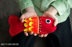 Lunar or Chinese New Year Fish Pocket with make-it-your-own.com (Crafts & activities for kids)