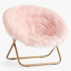 Create a comfy hangout space with Pottery Barn Teen's lounge seating and teen lounge chairs. Shop teen room chairs in many styles, and colors. Rose Gold Room Decor, Rose Gold Rooms, Blush And Gold Bedroom, Pastel Room Decor, Blush Bedroom Decor, Bedroom Beach, Bedroom Ideas Rose Gold, Girls Bedroom Decorating, Rose Gold Bedroom Accessories