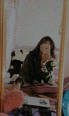 aesthetic mirror selfie edit ~ aesthetic mirror selfie _ aesthetic mirror selfie no face _ aesthetic mirror selfie korean _ aesthetic mirror selfie grunge _ aesthetic mirror Cute Girl Poses, Girl Photo Poses, Girl Photography Poses, Face Aesthetic, Aesthetic Girl, Korean Aesthetic, Stylish Girls Photos, Stylish Girl Pic, Cute Girl Face