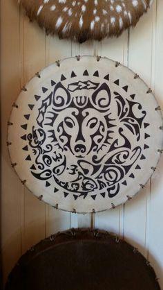 Sjamanistische drums te koop We geven ook workshops Vind ons op facebook sjamanistische drums Naspanbare drums!!