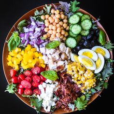 main course chopped salad with tomato vinaigrette (tvfgi) Clean Eating, Healthy Eating, Healthy Food, Dinner Healthy, Macro Meals, Main Dish Salads, Think Food, Healthy Salad Recipes, Kale Recipes