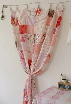 neat idea to hold up quilts / tops on the wall.